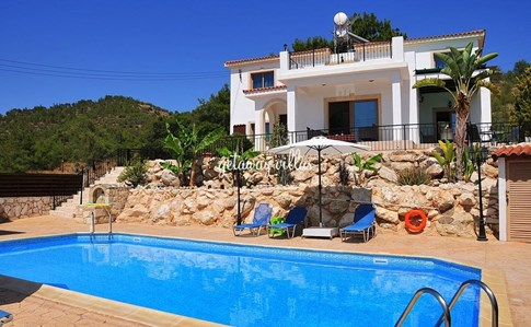 Cyprus Villa Mersinia Click this image to view full property details