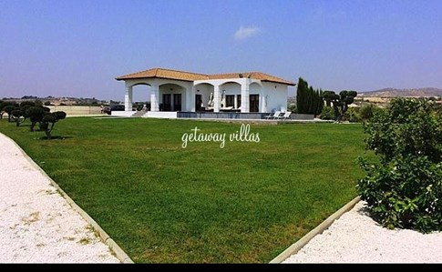 Cyprus Villa Olivo Click this image to view full property details
